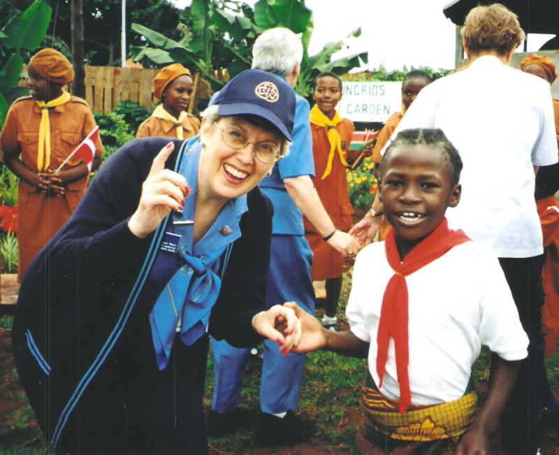 Mary Lynn visiting Girl Scouts in Kenan, Nigera